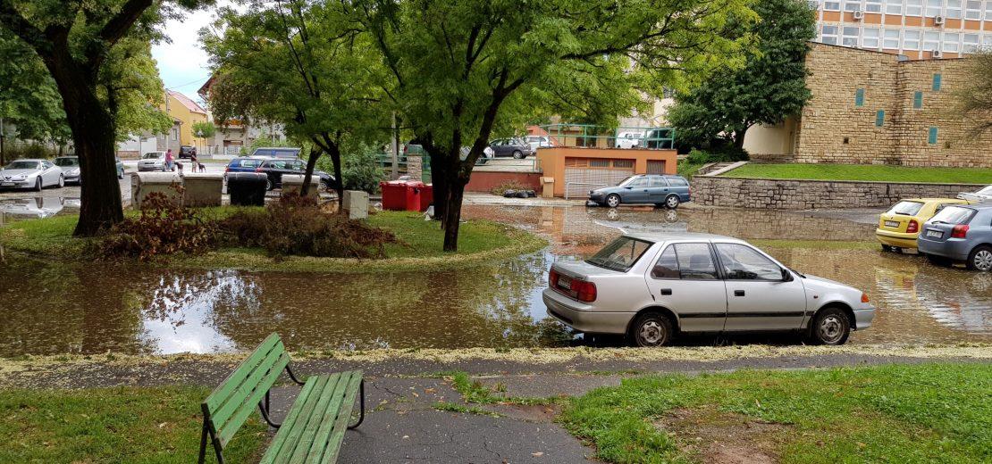 Esőzések Uránvárosban